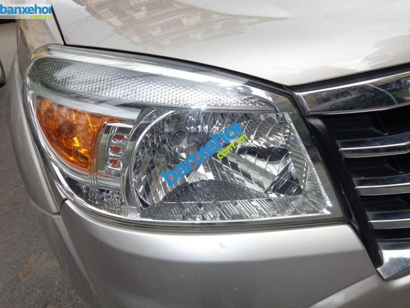 Xe Ford Everest Limited 2010-1