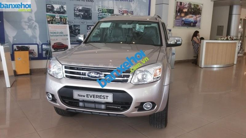 Xe Ford Everest 4x2 AT limited 2014-0
