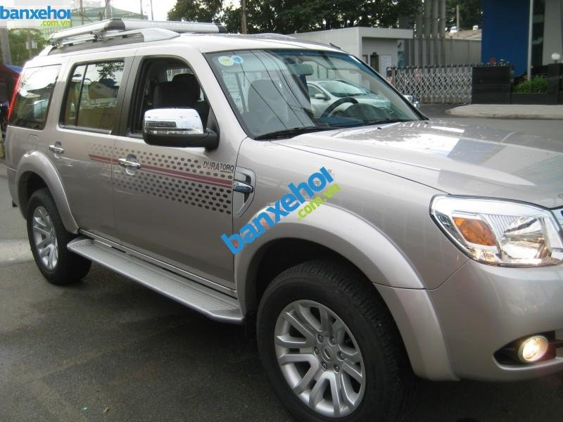 Xe Ford Everest 2.5L AT 2014-2
