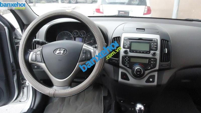 Xe Hyundai i30 CW 2009-5