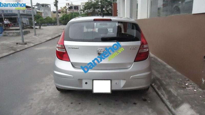 Xe Hyundai i30 CW 2009-1