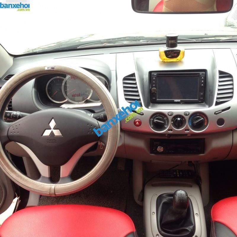 Xe Mitsubishi Triton  2013-2
