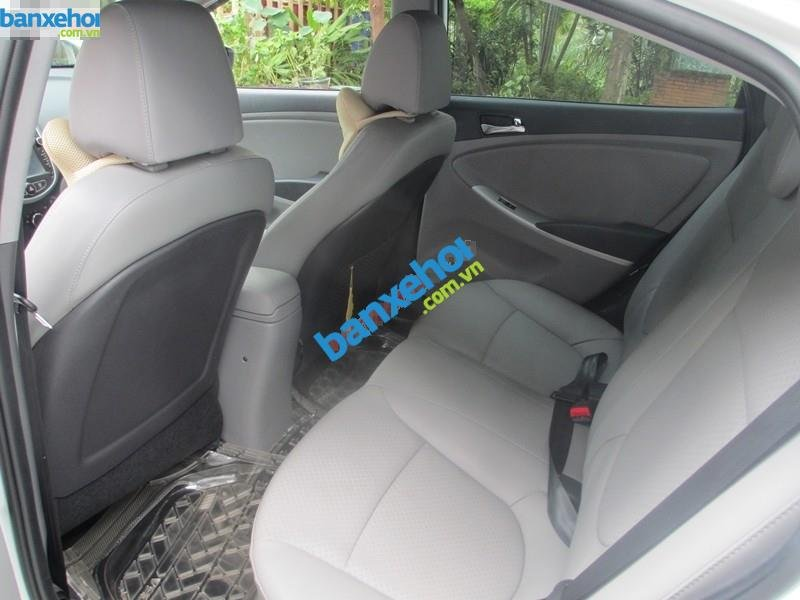 Xe Hyundai Accent 1.4 2013-6