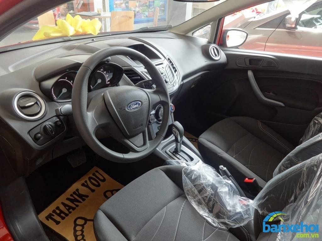 Xe Ford Fiesta  2014-7