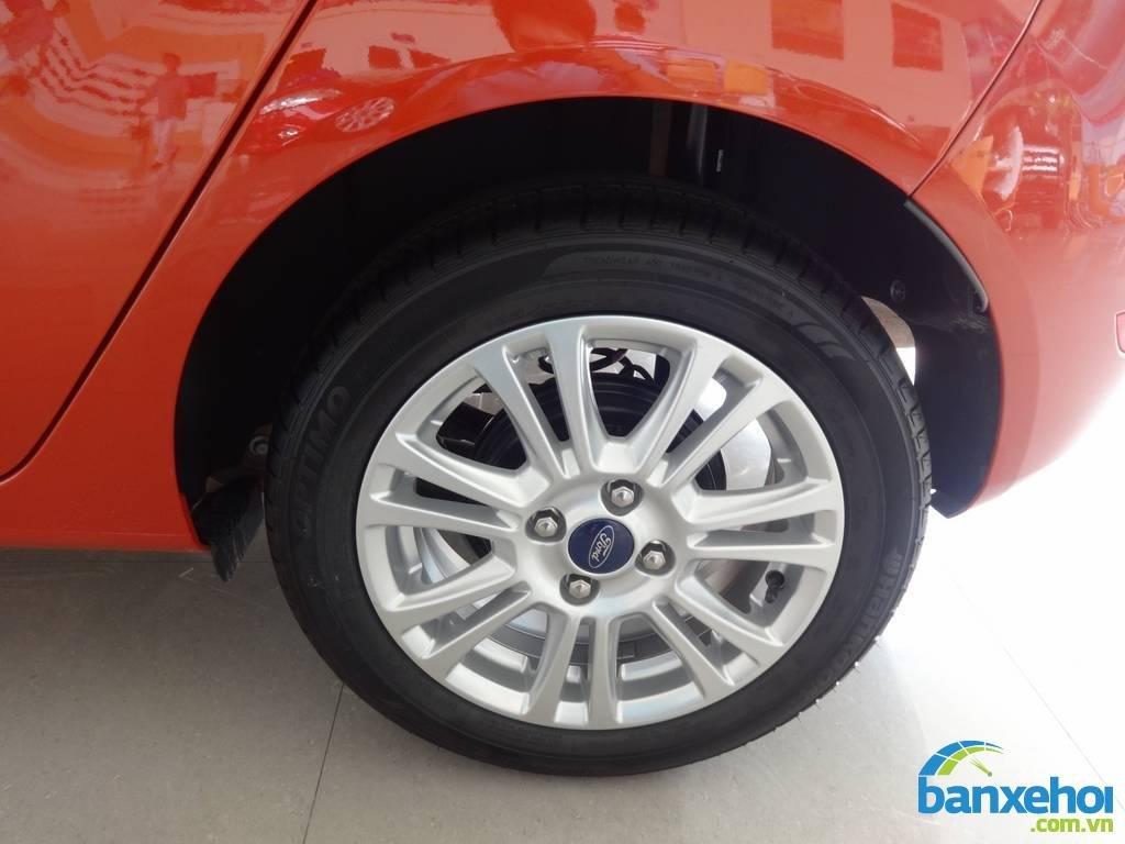 Xe Ford Fiesta  2014-6