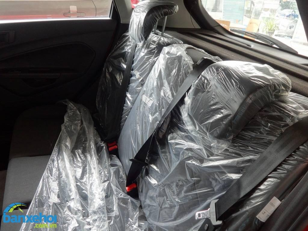 Xe Ford Fiesta  2014-12