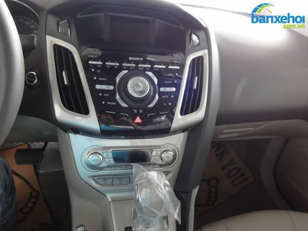 Xe Ford Focus  2014-10