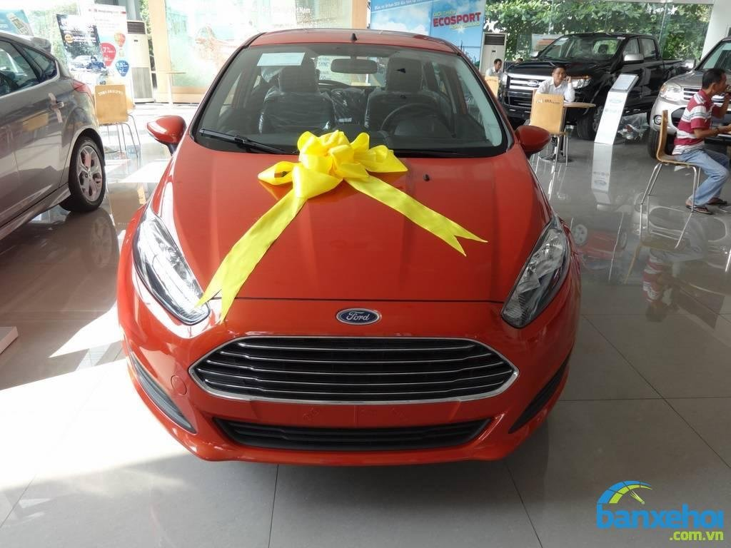 Xe Ford Fiesta  2014-0