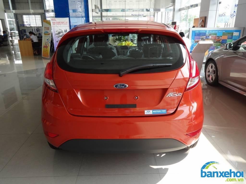 Xe Ford Fiesta  2014-5