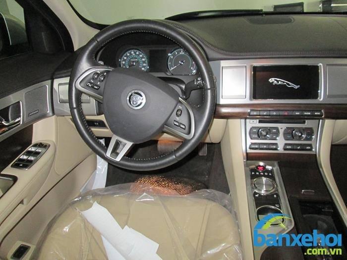 Xe Jaguar XF  2013-5
