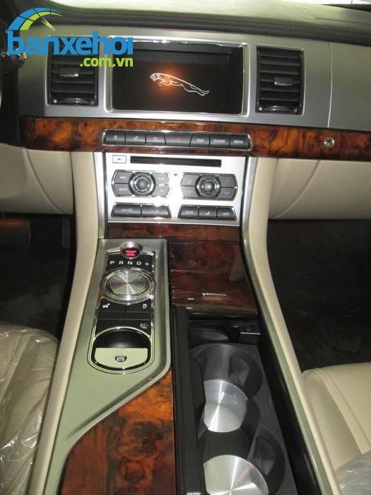 Xe Jaguar XF 2 2013-7