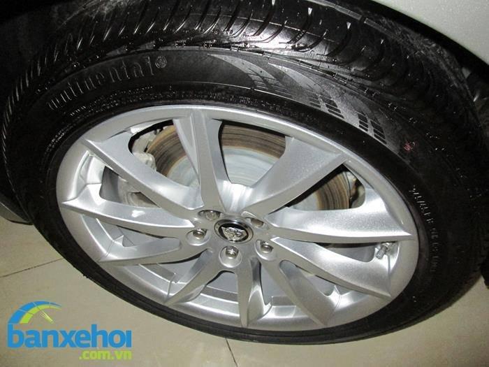Xe Jaguar XF  2013-3