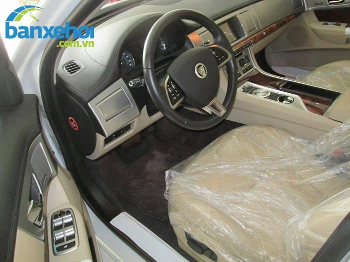 Xe Jaguar XF 2 2013-5