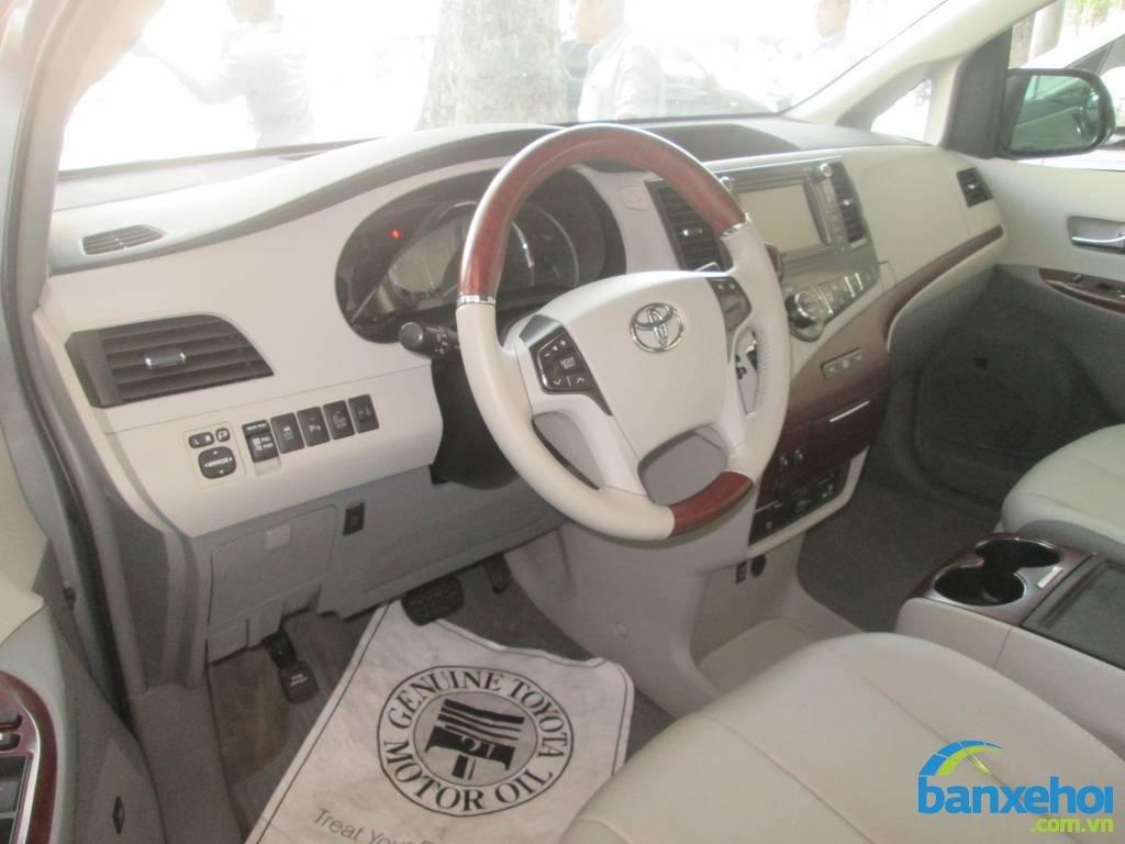 Xe Toyota Sienna  2013-6