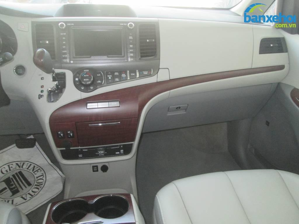 Xe Toyota Sienna  2013-9