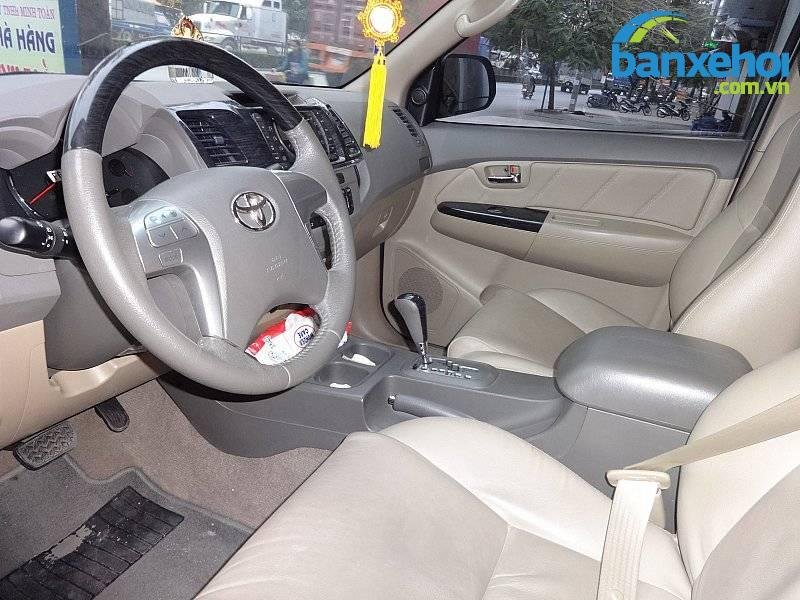 Xe Toyota Fortuner  2013-6