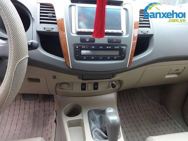 Xe Toyota Fortuner V 2010-14