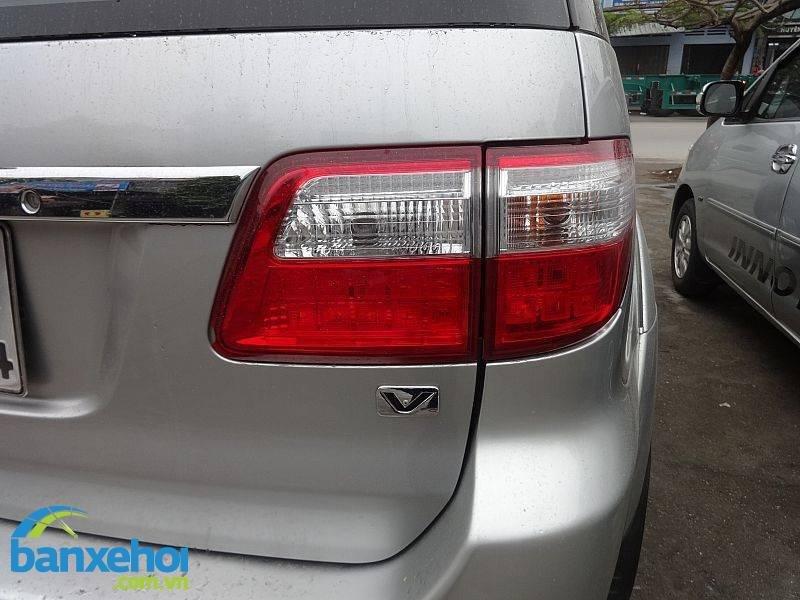 Xe Toyota Fortuner V 2010-7