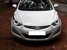 Cần bán lại xe Hyundai Elantra 1.6 đời 2015, màu trắng, nhập khẩu