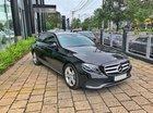 Bán xe Mercedes E250 đen 2018 chính hãng, trả trước 700 triệu nhận xe