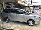 Cần bán Toyota Innova 2.0 E đời 2016, màu bạc số sàn, 685tr