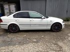 Cần bán BMW 325i 2003 màu trắng, phiên bản Sport-màu trắng