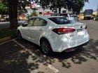 Cần bán gấp Kia Cerato đời 2016, màu trắng, xe nhập