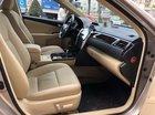 Bán Toyota Camry 2.0 đời 2016, xe không đâm đụng bơi lội