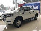 Bán Ford Ranger XLS AT, giá 650 triệu, có nắp thùng, lót thùng, dán phim, trải sàn, giao xe ngay tại Cao Bằng