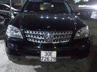 Cần bán xe Mercedes ML 350 năm sản xuất 2005, màu đen, 690tr
