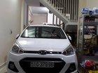 Cần bán xe Hyundai Grand i10 1.2 MT sản xuất năm 2017, màu trắng số sàn, giá tốt