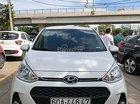 Bán Hyundai Grand i10 1.2 AT đời 2017, màu trắng xe gia đình