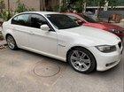 Cần bán gấp BMW 3 Series 320i năm sản xuất 2011, màu trắng, 560 triệu