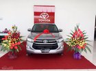 Cần bán xe Toyota Innova E năm sản xuất 2018, màu bạc