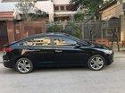 Cần bán xe Hyundai Elantra 2.0AT năm 2017, màu đen như mới