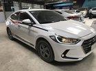 Bán Hyundai Elantra GLS 1.6MT màu trắng, số sàn, sản xuất 2017, biển Sài Gòn đi 29000km