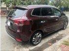 Cần bán gấp Kia Rondo GAT sản xuất năm 2017, màu đỏ
