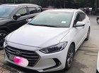 Cần bán xe Hyundai Elantra đời 2017, màu trắng
