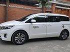 Cần bán gấp Kia Sedona 2.2L DAT 2017, màu trắng số tự động