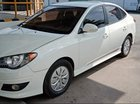 Cần bán gấp Hyundai Avante sản xuất 2013, màu trắng, chính chủ