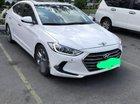 Cần bán xe Hyundai Elantra máy 2.0, số tự động, màu trắng