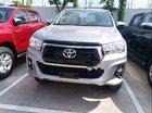 Bán xe Toyota Hilux đời 2018, màu bạc, nhập khẩu