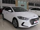 Cần bán Hyundai Elantra 2.0AT năm sản xuất 2017, màu trắng, giá 642tr