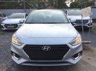 Cần bán xe Hyundai Accent năm sản xuất 2019, màu bạc
