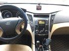 Xe Hyundai Sonata 2.4 AT đời 2010, màu trắng chính chủ