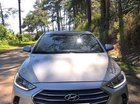 Cần bán gấp Hyundai Elantra 2017, màu bạc, xe gia đình