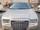 Bán Chrysler 300C 3.0 V6 màu bạc, nhập khẩu nguyên bản từ Mỹ (USA), bản full 2010. Dang ky 6/2010