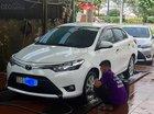 Cần bán gấp Toyota Vios 1.5E CVT 2017, màu trắng còn mới