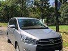 Cần bán gấp Toyota Innova E sản xuất 2017, màu bạc số sàn