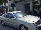 Cần bán xe Mercedes E240 năm 2003, màu bạc chính chủ, 335tr